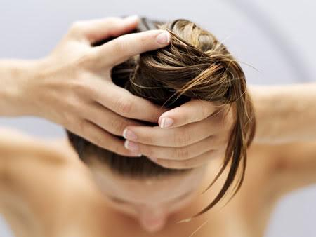 Какие эфирные масла полезны для волос?